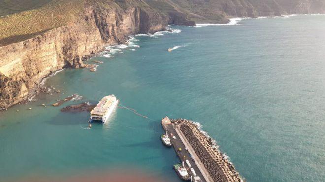 El Gobierno de Canarias activa el PLATECA de forma preventiva por el encallamiento del ferry Bentago Express