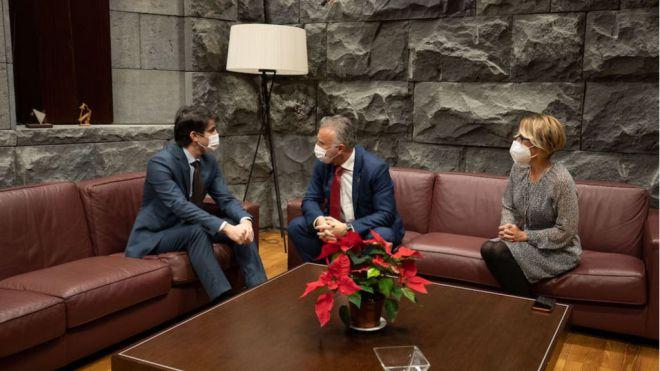 El presidente de Canarias y la consejera de Economía mantienen un primer contacto con el presidente de la ZEC