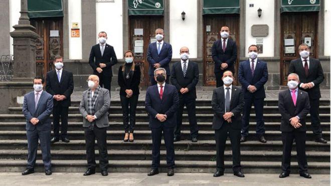 Rodríguez ofrece la máxima colaboración a los ayuntamientos para superar la crisis