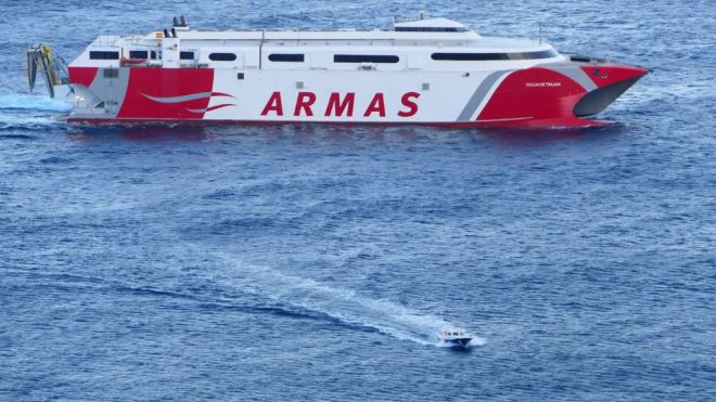 Armas normaliza las conexiones con El Hierro con la reincorporación del Tirajana