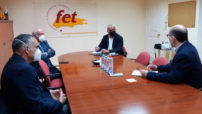 Ramón Morales anima al sector del transporte canario a aprovechar la inversión prevista por el Estado en movilidad verde