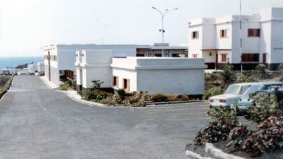 """AHI-CC pide a las autoridades locales que """"exijan"""" al Estado convertir el cuartel en el centro de acogida de migrantes"""