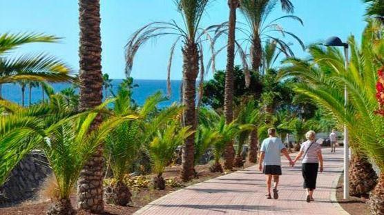 La llegada de turistas internacionales a Canarias cae un 71,19% en 2020 y el gasto un 71,43%