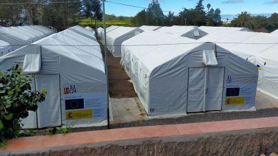 CC-PNC invita a la comisaria europea de Asuntos de Interior a ver que el campamento de Las Raíces no reúne las mínimas condiciones humanitarias