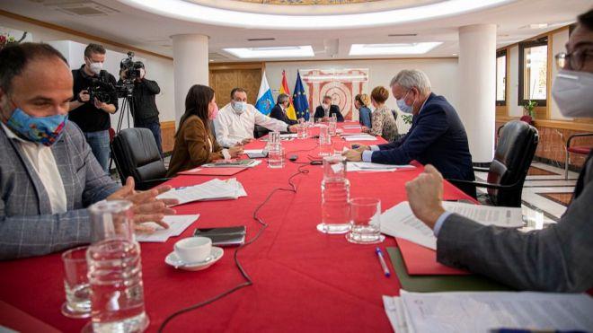 Lanzarote rebaja el nivel de alerta del 4 al 3 debido a su mejoría en datos pandémicos