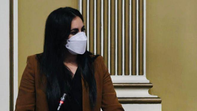 Espino pide a Torres menos excusas y más soluciones para acabar con el trabajo precario de los sanitarios