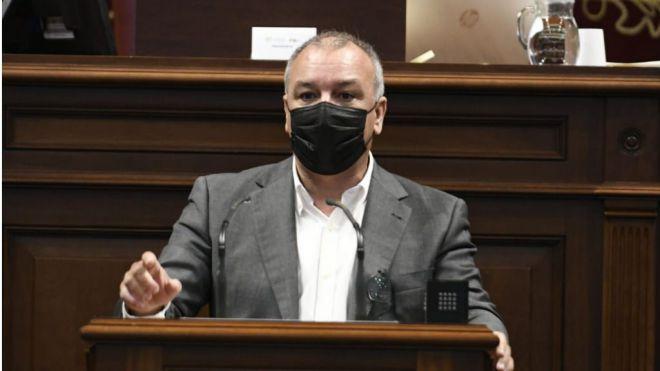 Campos invita al Parlamento a apoyar la enmienda de NC en el Congreso para proteger al plátano de Canarias