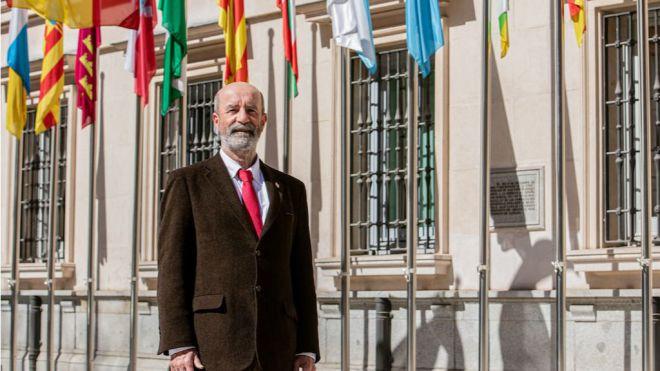 Santiago Pérez adquiere la condición plena de senador