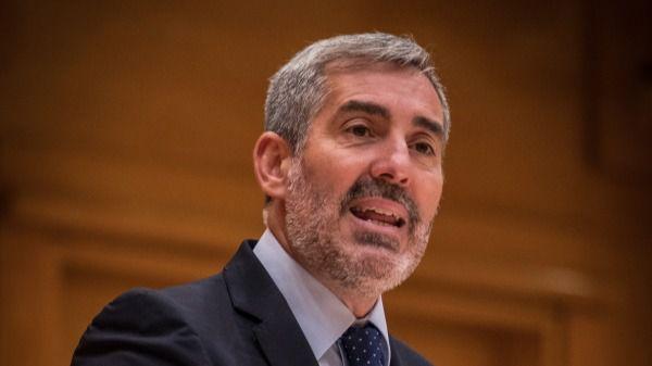"""Clavijo califica de """"cinismo político"""" que el PSOE pida a Bruselas soluciones para la crisis migratoria"""