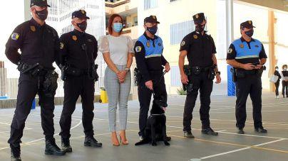 """La Policía Local presenta a """"Furia"""", una perra de cuatro meses para la subunidad canina"""