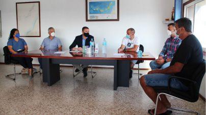Yaiza ofrece su experiencia jurídica contra las jaulas para la defensa del sector pesquero insular