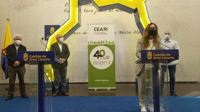 Estrella Galán, directora de CEAR, en la presentación del informe en la sede del Cabildo de Gran Canaria.