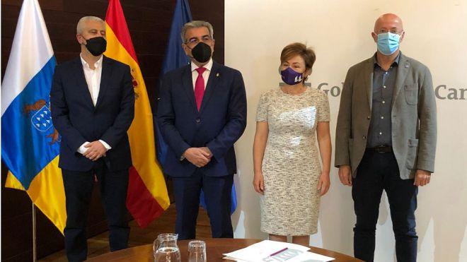 Rodríguez se alinea con la propuesta de la ULL para impulsar un Plan canario de I+D