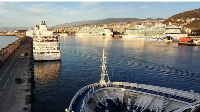 El puerto de Tenerife, base para los cruceros de lujo por Canarias