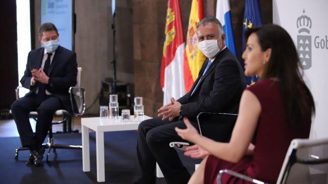 Torres y García-Page analizan la respuesta que han dado a la crisis del COVID-19 en Canarias y Castilla-La Mancha