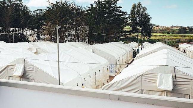 Un positivo en un inmigrante en el campamento canario de Las Raíces obliga al cribado de 600 personas