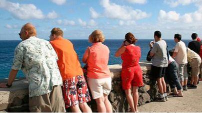 Canarias pierde un 90,3% de turistas extranjeros en el primer trimestre, según Turespaña