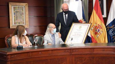 El poeta local Domingo Rodríguez del Rosario recibe el título de Hijo Predilecto de Santa Úrsula