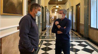 """Clavijo acusa al PSOE de tener """"un doble discurso"""" en la crisis migratoria y de dejar """"tirada a Canarias"""""""
