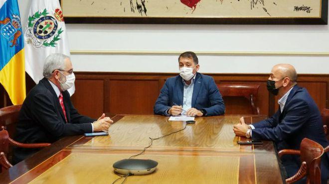 Fepeco solicita al alcalde que lidere la defensa del puerto de Santa Cruz de Tenerife