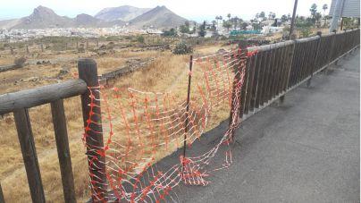 Coalición Canaria-PNC de Arona denuncia los destrozos en vallas de varias carreteras del municipio
