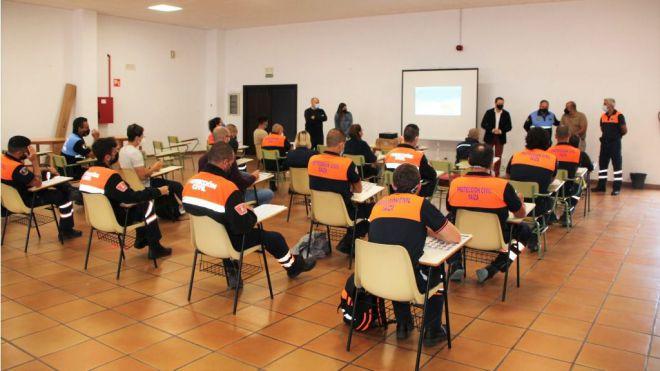 Policía Local y Protección Civil de Yaiza cultivan estrategias de comunicación con personas sordas