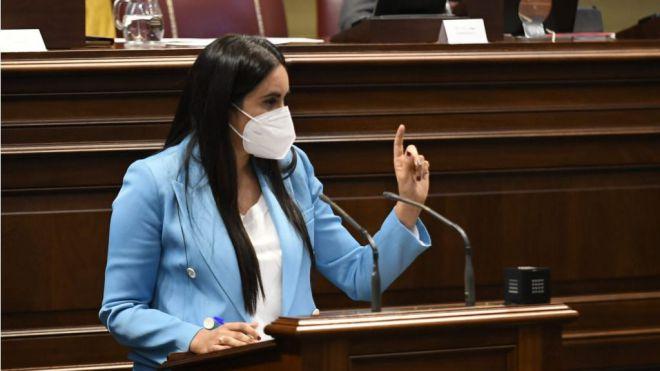 """Vidina Espino a Román Rodríguez: """"Espabílese y reaccione ante los problemas que sufren los canarios"""""""
