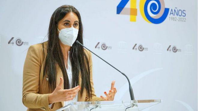"""Vidina Espino a Manuela de Armas: """"Canarias no puede renunciar a los 2.500 profesores contratados por la COVID-19"""""""