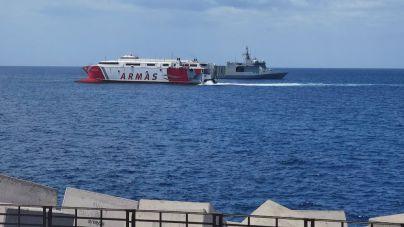 Arona acoge un simulacro del Ministerio de Defensa para reforzar la seguridad en el puerto de Los Cristianos