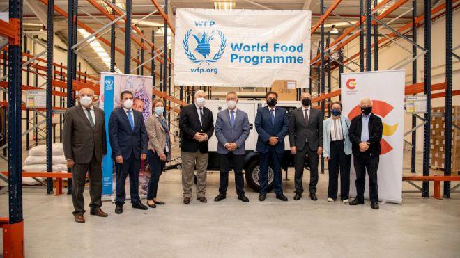 Torres celebra la prórroga de un año del Programa Mundial de Alimentos en el Puerto de la Luz