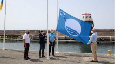 """Óscar Noda ensalza el """"gran esfuerzo"""" de Puerto Calero por mantener su Bandera Azul durante 26 años"""