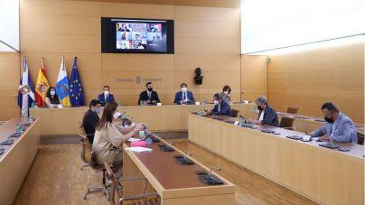 Cabildos y ayuntamientos defienden la necesidad de que los fondos del Plan de Recuperación lleguen a la ciudadanía canaria