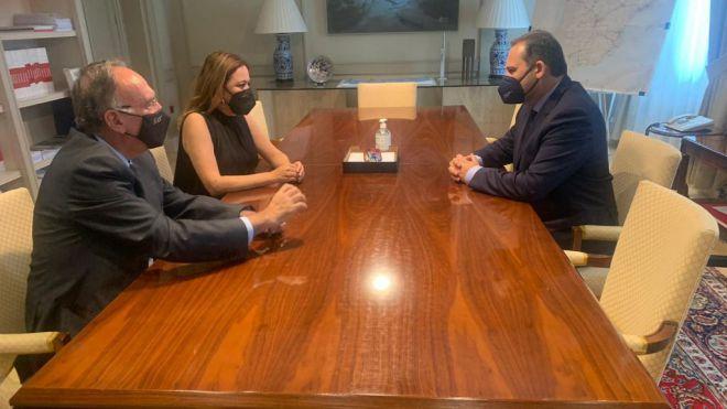 La presidenta del Cabildo y el ministro de Fomento abordan el Plan director del aeropuerto César Manrique-Lanzarote