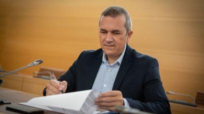 Acuerdo institucional en el Cabildo para llevar a cabo un plan de restauración para recuperar el suelo afectado por el incendio de Arico