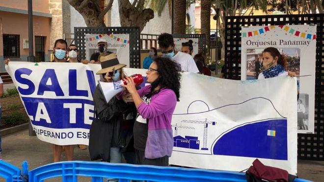 Sí Podemos Granadilla apoya la movilización ciudadana para detener el hotel ilegal en La Tejita