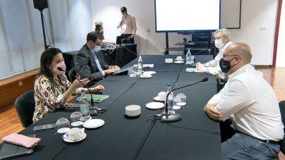 Castilla se compromete a trasladar al Consejo de Gobierno las peticiones de los hosteleros de Tenerife