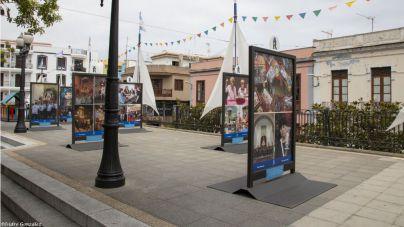 El fotógrafo Isidro Felipe Acosta rinde homenaje a la devoción carmelitana en una nueva exposición al aire libre