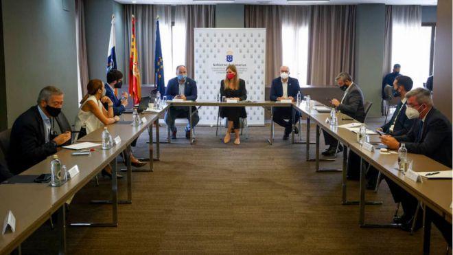 Canarias y Estado exponen a los empresarios los fondos de recuperación destinados a las renovables