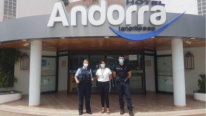 El hotel Andorra de Las Américas aloja este mes a dos agentes de la Polizei en servicio para colaborar con la Guardia Civil
