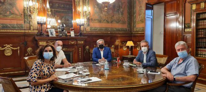 Acuerdo para garantizar el 80% de diferencial fiscal en las deducciones al cine en Canarias