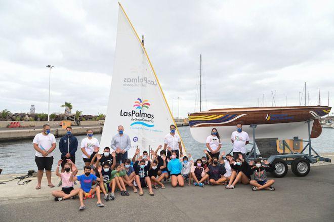 LPGC lleva a la Península un bote de vela latina canaria para promocionar el destino a través de su deporte vernáculo