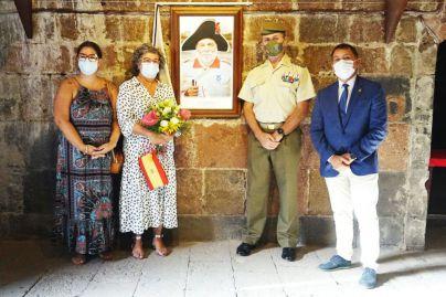Una cañonera en Almeyda inmortaliza la Gesta de Javier Gorostiza por Santa Cruz