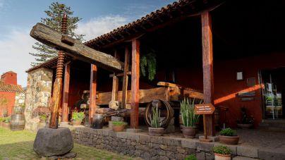 El Cabildo creará un espacio 'online' con los colectivos tradicionales y etnográficos de la isla