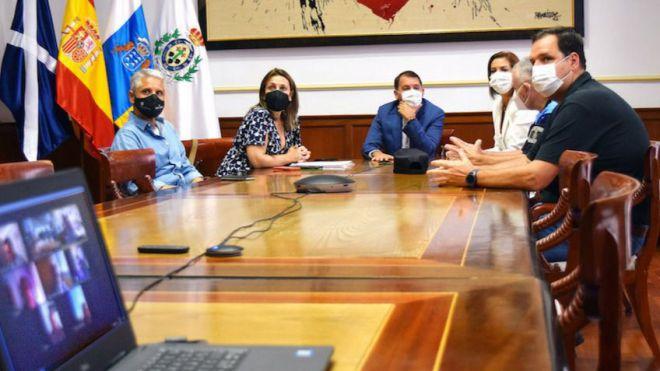 Ayuntamiento y colectivos LGTBI se alían para prevenir posibles delitos de odio