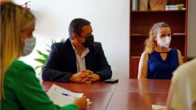 Arona subvencionará productos de alimentación e higiene a más de 1.600 familias de mano del Rotary Club Tenerife Sur