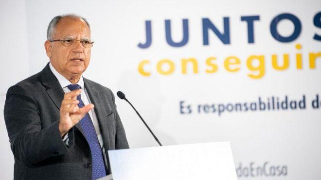 """Curbelo pide """"mecanismos reales"""" para frenar la escalada de precios en los billetes con la península"""