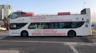 Dos vacuguaguas del SCS acercan la vacunación contra la COVID-19 a la población de Gran Canaria y Tenerife