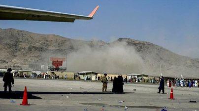 Aumentan a 170 los fallecidos por el doble atentado de Estado Islámico en el aeropuerto de Kabul