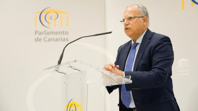"""Curbelo: """"La solución al colapso de Los Cristianos no pasa por trasladar las operaciones a otros puertos"""""""