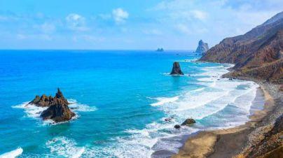 Santa Cruz pide investigar la procedencia de hidrocarburos en el litoral urgentemente